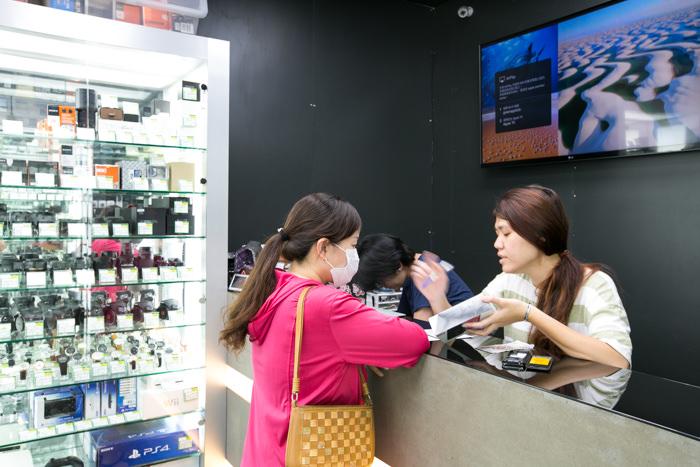 賣二手手機給我們的客人