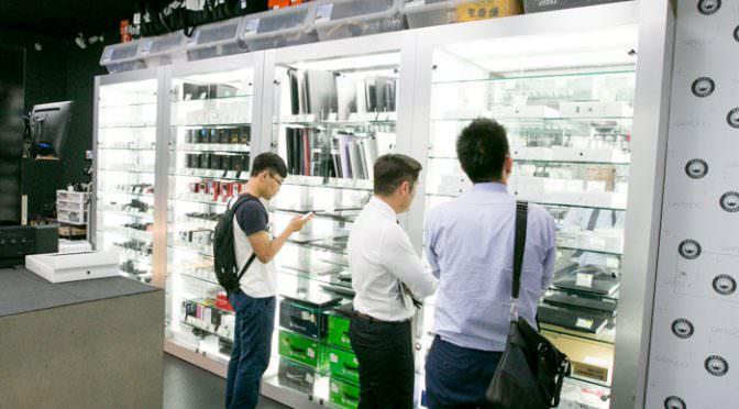 台中青蘋果客人問為什麼他的筆電跌很兇,收購二手筆記型電腦,買賣中古筆電估價說明